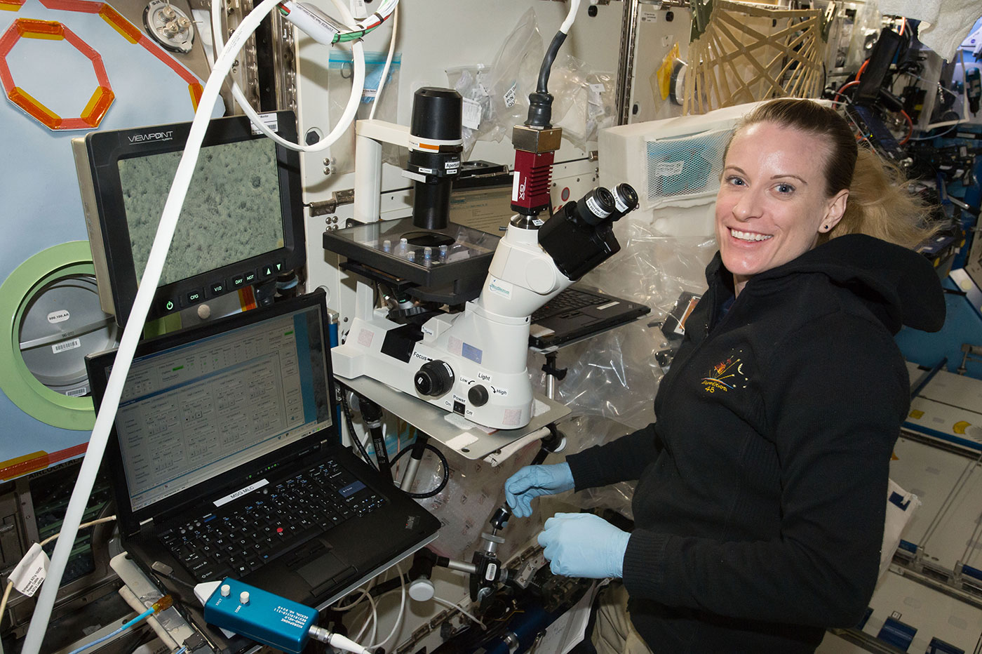 astronaut kate rubins examines heart cells on iss nasa