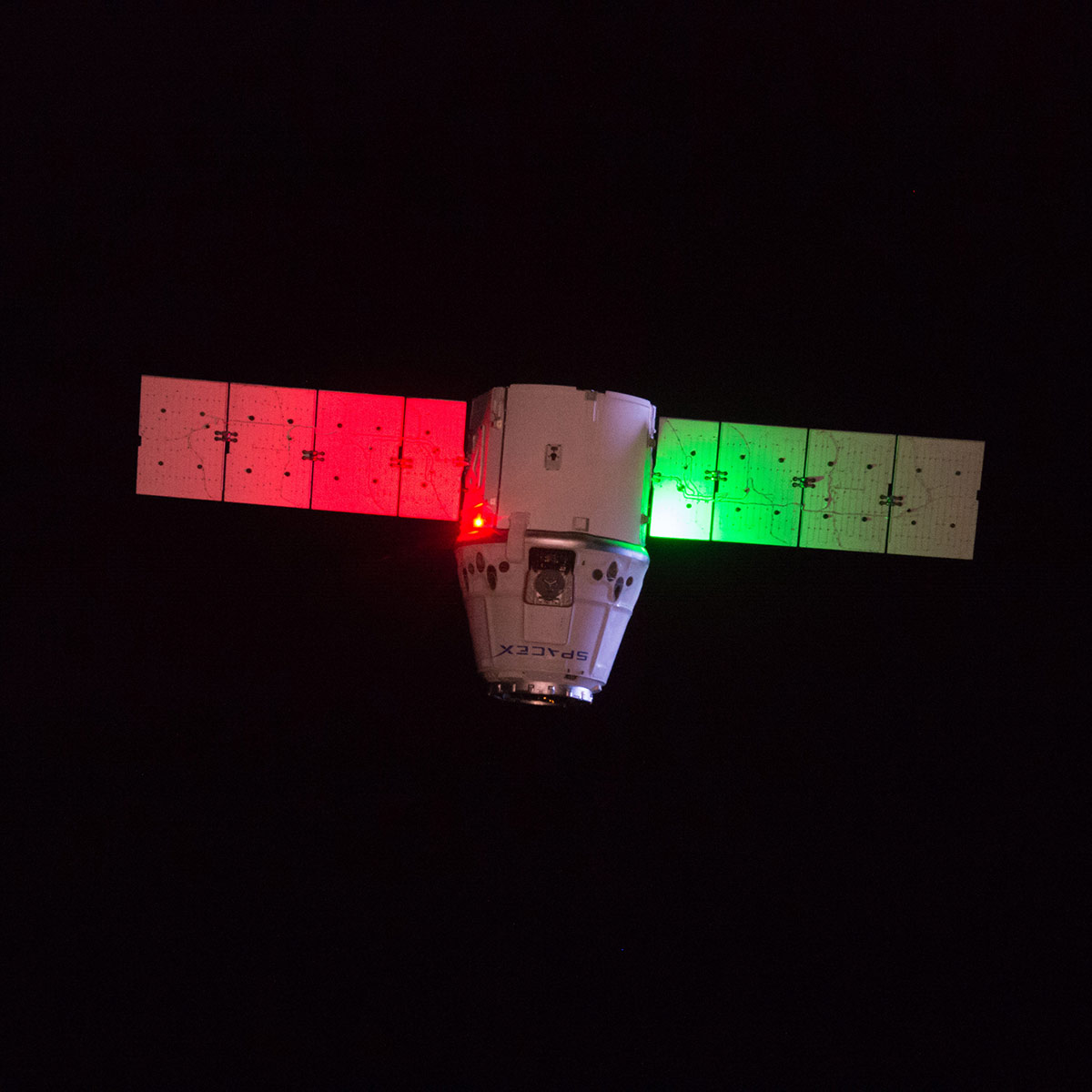 dragon approaching iss night