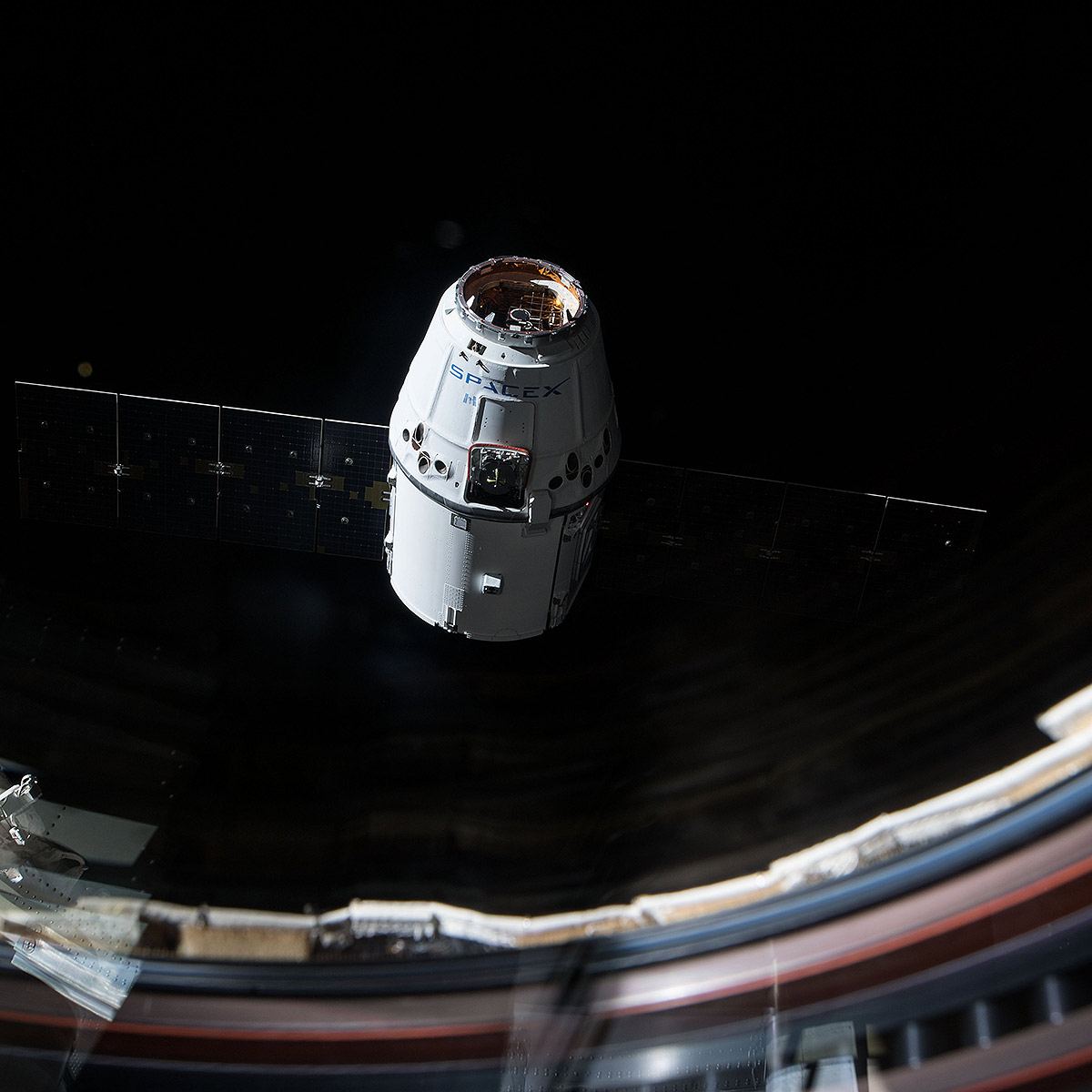 dragon crs13 approaches station