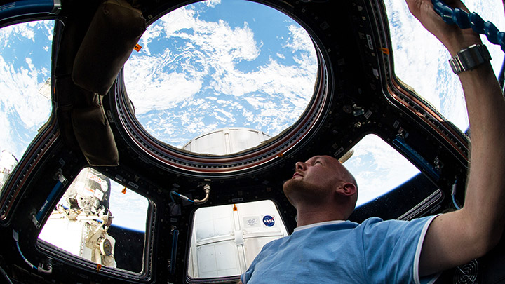 looking at earth from iss cupola
